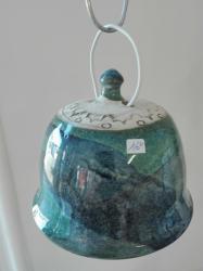 mangeoire bleue pour accrocher une boule de graisse