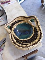 coupe en grès bleue verte avec osier 2 couleurs