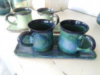 ensemble mugs et plateau pour petit déjeuner, en grès émaillé