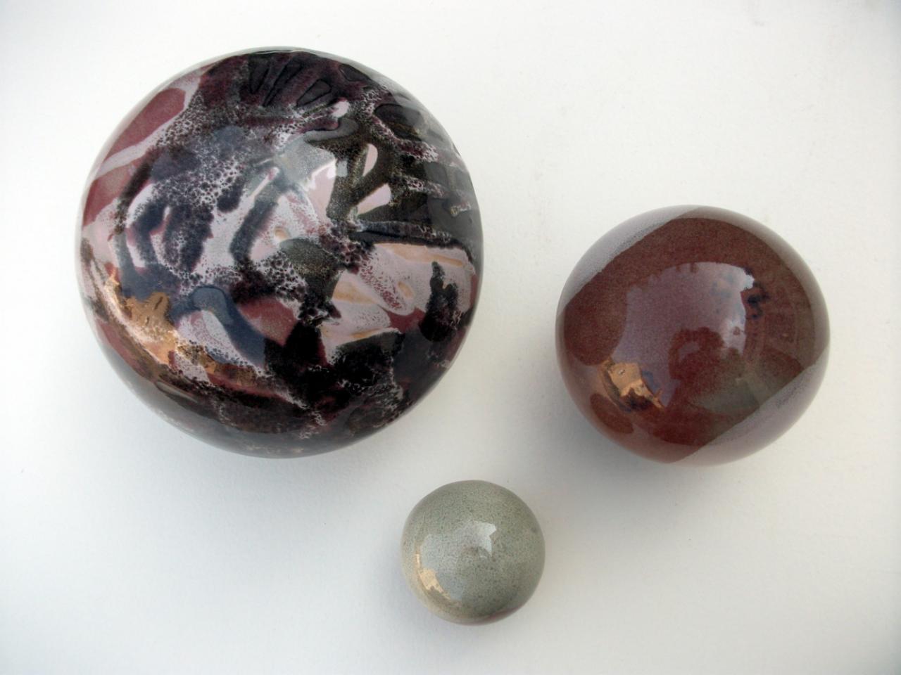 Boules en gr s pour la d coration ext rieure poteries de jardin - Decoration jardin boule pierre ...