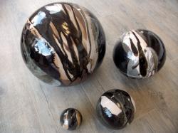 Ensemble de 4 boules noires et blanches