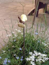 l'escargot, tuteur de jardin en grès