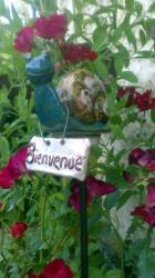 escargot en grès bleu vert, tuteur de jardin