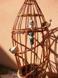 Grosse sculpture végétale avec poteries en grès