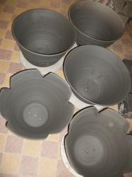 grosses poteries tournées en grès de St Amand en Puisaye
