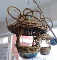 Mangeoire à oiseaux vannerie sur poterie
