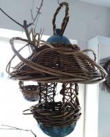 mangeoire à oiseaux grès et osier autoclave