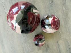 ensemble de 3 boules en grès émaux rose blanc et noir