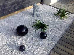 ensemble de boules noires en grès émaillé