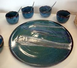 Plat service bleu vert en grès tourné, vaisselle