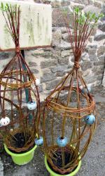 tressages osier vivant et boules en grès émaillé
