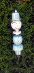 Timo vert à chapeau haut de forme, tuteur de jardin en grès