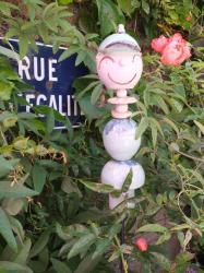 Timo, le lutin à casquette en grès pour votre décoration de jardin fabriqué en Pays de Loire